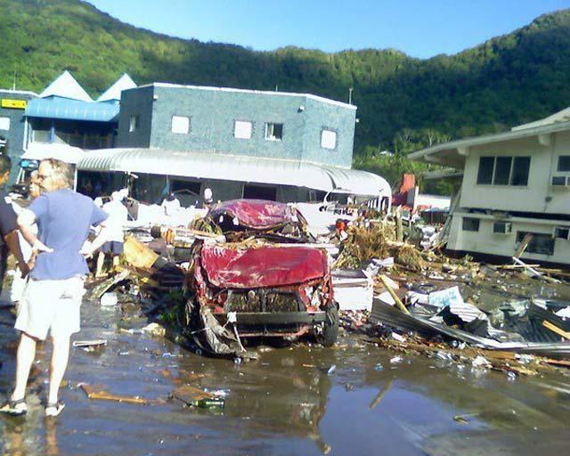 Un seísmo de 7,7 grados en Indonesia causa al menos 75 muertos