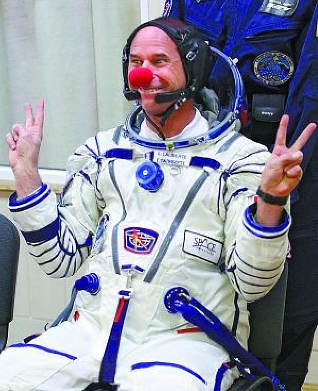 El fundador del Circo del Sol se convierte en el séptimo turista espacial