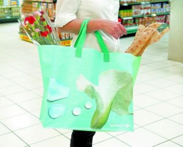 Carrefour elimina desde hoy las bolsas de plástico en sus tres centros