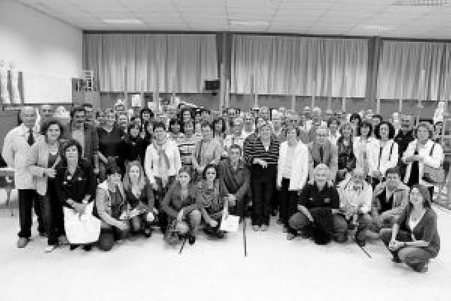 La Escuela de Arte Catalina de Oscáriz inicia el curso y entrega diplomas