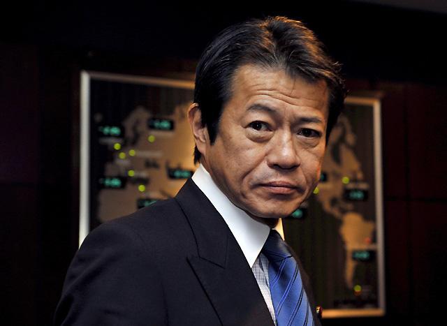 Hallan muerto al ex ministro japonés de finanzas, acusado de emborracharse durante una cumbre del G-7