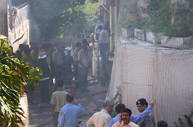 Aumentan a cinco los muertos por el atentado suicida contra las oficinas en las oficinas de la ONU (Pakistán)