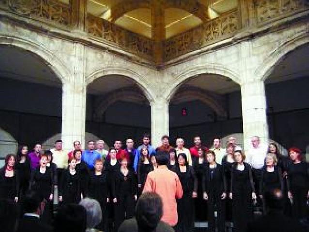 Primer premio para la Coral Barañáin en Burgos