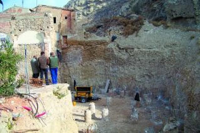 La nueva basílica Virgen del Olmo de Azagra ya tiene sus pilares