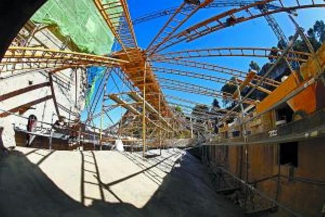 La restauración de San Pedro descubre restos góticos ocultos bajo la cubierta de la nave mayor