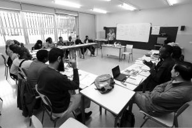 350 extranjeros se quedan sin plaza para estudiar español por falta de profesores