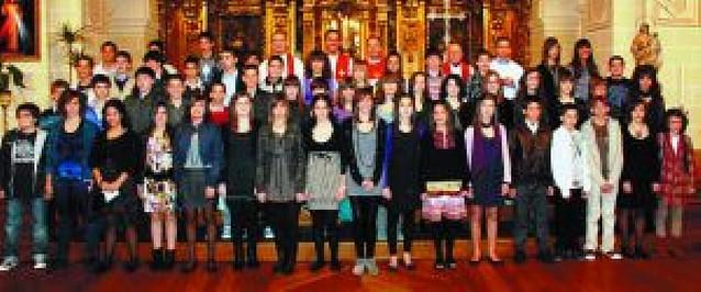 Más de 50 jóvenes se confirman en Corella