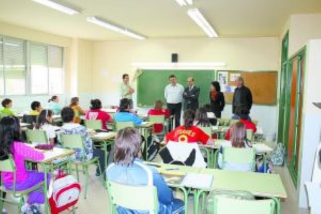 El IESO de Azagra recibe a Alberto Catalán en su recién estrenada etapa en Educación