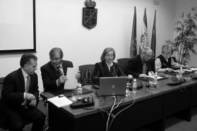 La fusión de los hospitales de Pamplona supondrá la supresión de 23 jefaturas