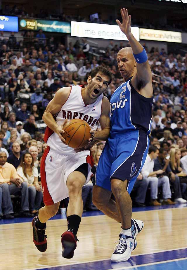 Nowitzki lidera a los Mavericks para superar a los Raptors de Calderón