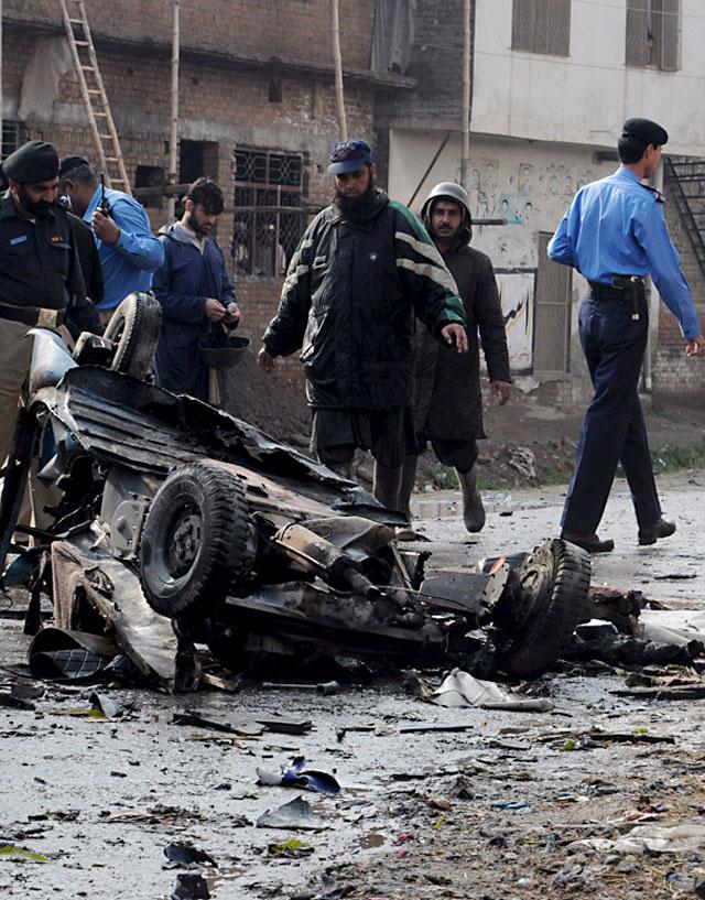 Al menos tres muertos en un ataque suicida en Pakistán