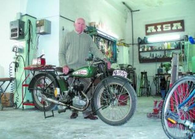 Moto y piloto, 177 años