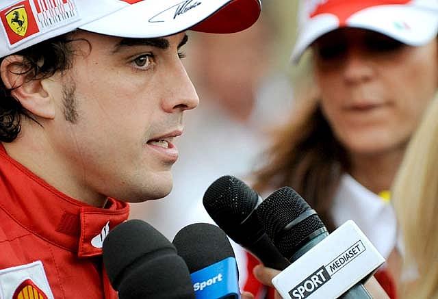 Alonso, cuarto piloto en conseguir la victoria en su debut con Ferrari