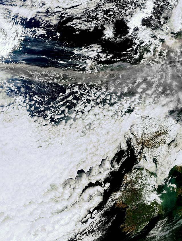 La nube de ceniza volcánica podría extenderse al sur de Europa