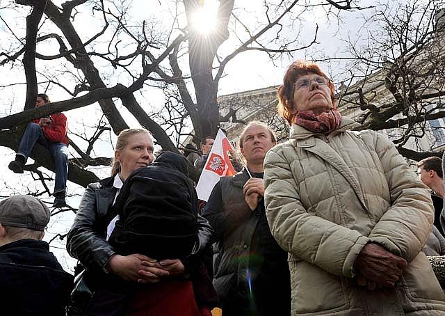 La vieja Polonia, obrera, tradicional y católica, eleva a Kaczynski al Wawel