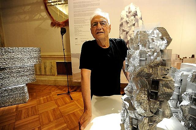 La oficina de objetos perdidos de Pamplona recibe un 11 por ciento menos de objetos durante este verano