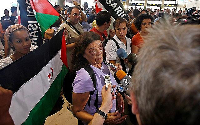 Los activistas llegan a Las Palmas y anuncian que acudirán a la Justicia por los incidentes en El Aaiún
