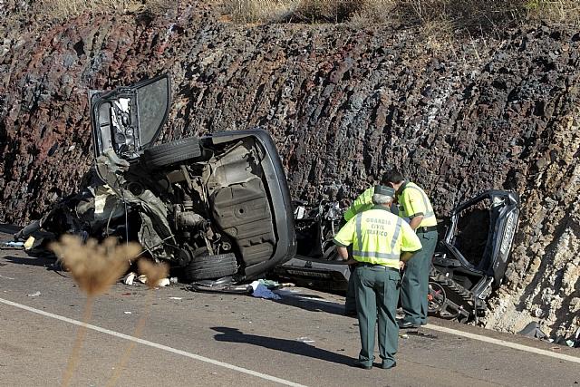 Mueren siete personas tras el choque frontal de dos vehículos en Oliva de Mérida (Badajoz)