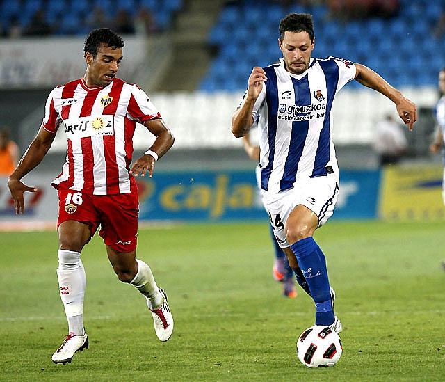 Ulloa rescata un punto para el Almería en el último minuto