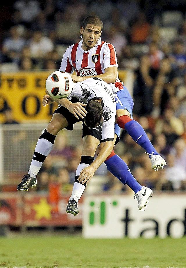 Villa resuelve un duelo sin brillo (1-0)