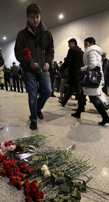 Medvédev exige dimisiones en el Ministerio del Interior tras el atentado suicida