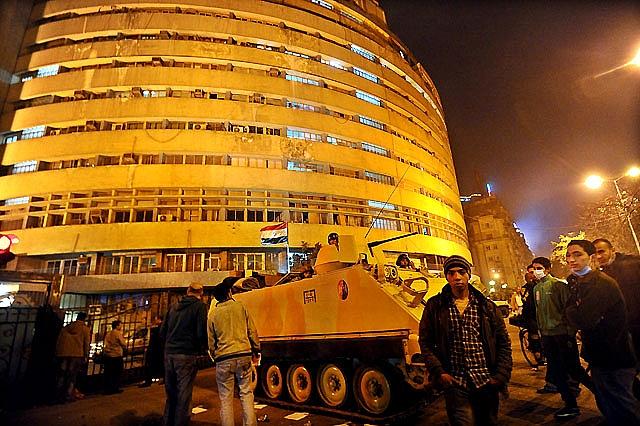 3 muertos, 120 heridos y más de 300 detenidos en El Cairo por las protestas del viernes