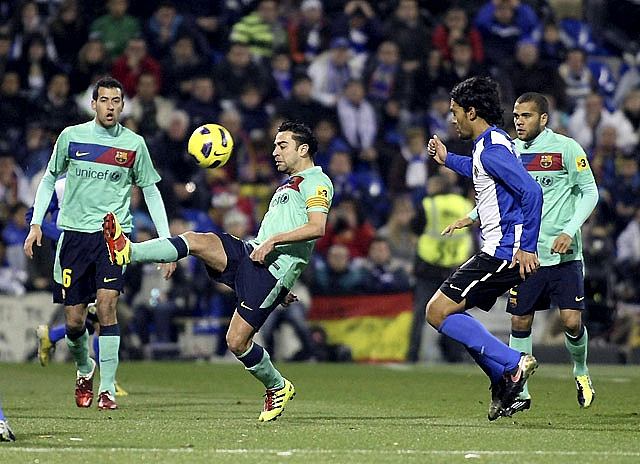 El Levante encontró un balón de oxígeno ante un rival indolente (2-0)