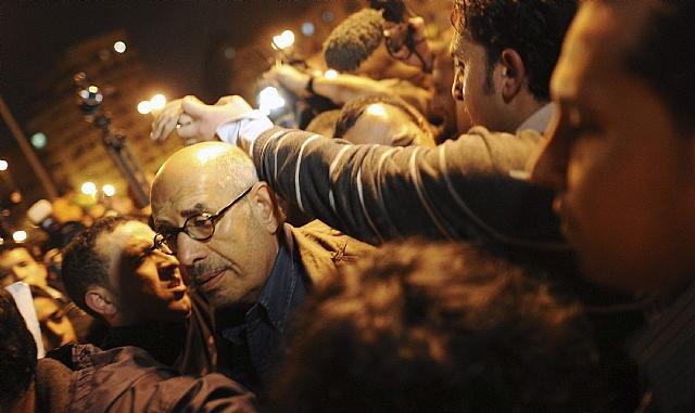 Egipto tiembla ante el éxodo de turistas a causa de las revueltas