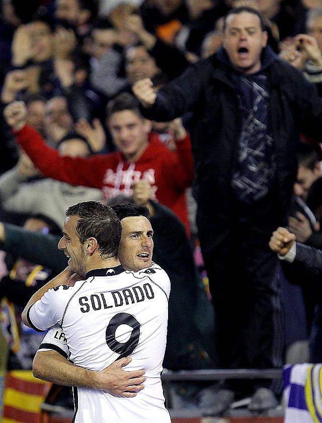 El Sevilla regala un punto al colista y se aleja de Europa
