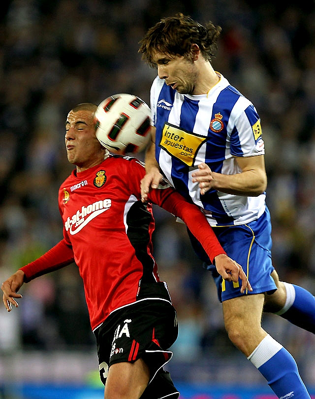 El Zaragoza toma aire ante el Athletic y sale del descenso