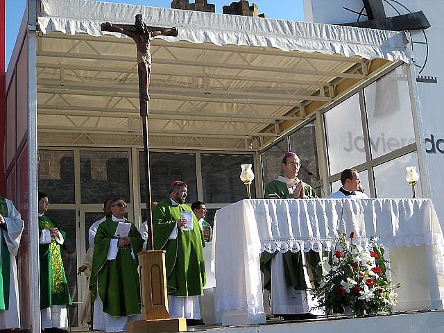 """Más de 9.000 peregrinos se han congregado en Javier, """"bendecidos"""" otra vez por el sol"""